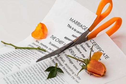 ¿Estás pensando en divorciarte?             Lee primero estas recomendaciones deurgencia.
